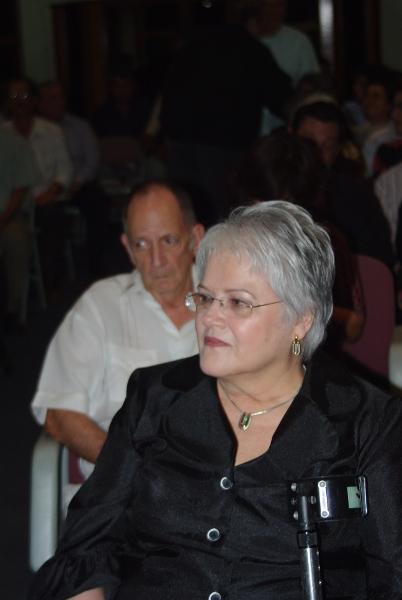 María Elsa vogl y Neville F. Cross